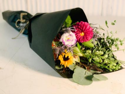 Fresh Wrrap Special  Wrapped Bouquet