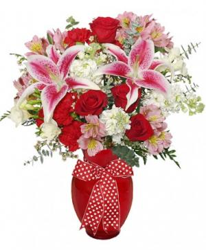 THAT'S AMORE! Arrangement in Jermyn, PA | Debbie's Flower Boutique
