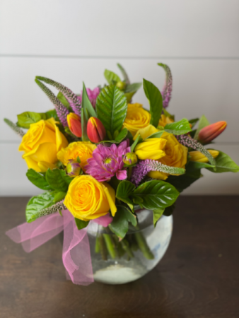 The Becky D.  Fresh Cut Floral Arrangement