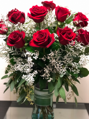 The Classic Dozen  Vase in Fairfield, CT | Blossoms at Dailey's Flower Shop