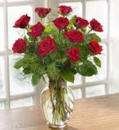 The Classic Dozen Wispy red roses