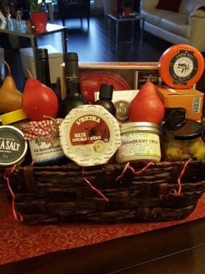THE CROWD PLEASER GOURMET BASKET in Halifax, NS | Twisted Willow