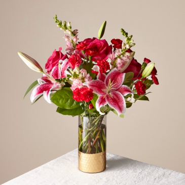 The FTD Be Mine Bouquet 21-V1