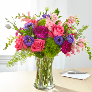 The FTD Charm & Comfort Bouquet Vase Arrangement