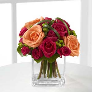 The FTD® Deep Emotions® Rose Bouquet B25-4401 Vased Arrangement