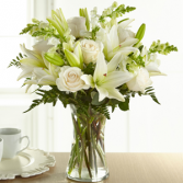 The FTD Eternal Friendship Remembrance Bouquet Vase Arrangement