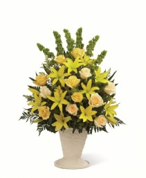 The FTD Golden Memories Arrangement
