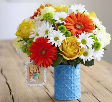 The FTD® Happy Day ™ Bouquet by Hallmark