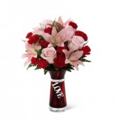 The FTD Hold my Heart Bouquet 15-V3