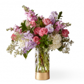 The FTD In The Gardens Luxury Bouquet 21-S4