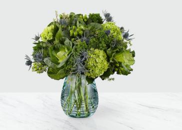 The FTD Ocean's Allure Bouquet Vase Arrangement