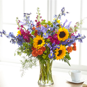 The FTD Rays of Life Bouquet Vase Arrangement