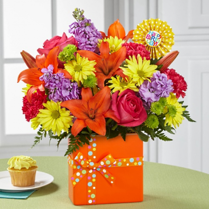 The FTD Set to Celebrate Birthday Bouquet - BD1