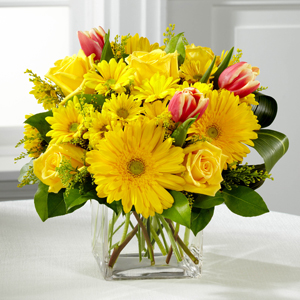 The FTD® Spring Sunshine™ Bouquet   in Valley City, OH | HILL HAVEN FLORIST & GREENHOUSE