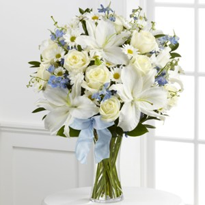 The FTD Sweet Peace Bouquet Vase Arrangement
