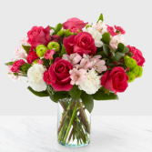 The FTD Sweet & Pretty Boquet Vase Arrangement