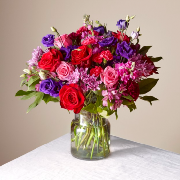 The FTD Sweet Thing Deluxe Bouquet 21-V2D