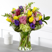 The FTD Wondrous Bouquet Vase Arrangement