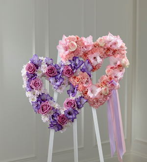 The FTD's Hearts Eternal Easel
