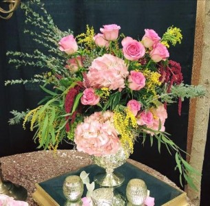The Garden Loose mixed arrangement