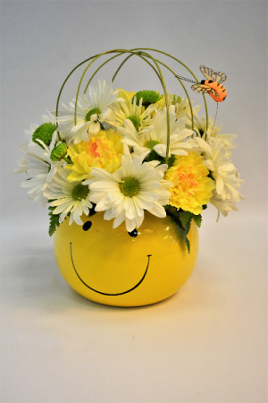 The Happy Buzz Bouquet in Holland, MI | GLENDA'S LAKEWOOD FLOWERS
