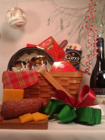 THE ITALIAN CHRISTMAS BASKET Wine, pasta, sauce, biscotti, coffee, and more