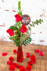 The Lani Valentine Rose Budvase