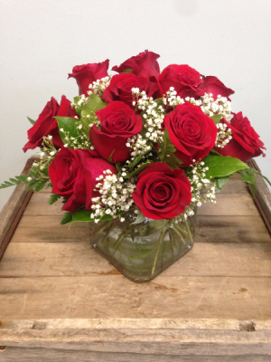 The Love Cube! Arrangement in Winston Salem, NC | RAE'S NORTH POINT FLORIST INC.