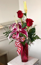 FLORAFINO'S PASSION PERFECT BUDVASE VALENTINE