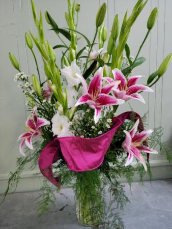 The Sula Vernell Vase Arrangment