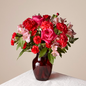 The Valentine  in International Falls, MN | Gearhart's Floral And Gifts