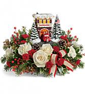 Thomas Kinkade Hero Holiday Bouquet