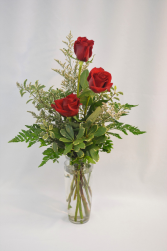 RED ROSE TRIO RED ROSE ARRANGEMENT