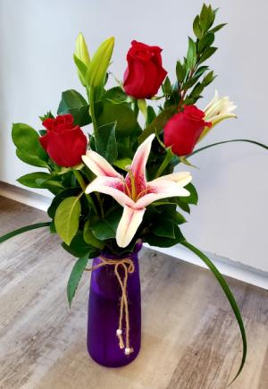Three Roses Premium  in Clearwater, FL | FLOWERAMA