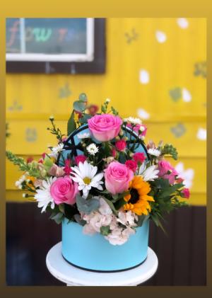 Tiffany Blue Box Arrangement in Lancaster, CA | GONZALEZ FLOWER SHOP