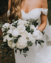Timeless and Elegant Bridal Bouquet