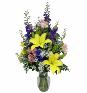 Timeless Garden   Vase in Akron, PA   ROXANNE'S FLOWERS