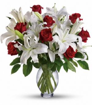 Timeless Romance Bouquet TRS04-1B Vase Arrangement in La Plata, MD | Potomac Floral Design Studio