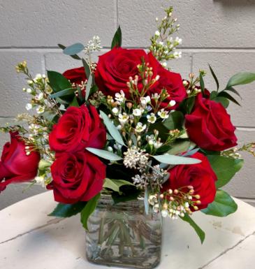 Timeless rose bouquet dozen roses in square vase