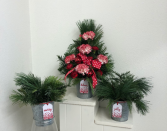 Tin with tag  Christmas arrangement
