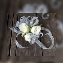 Tiny Dancer In White Wrist Corsage