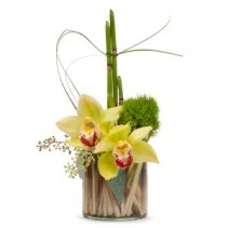 Simplicity Fresh Flower Arrangement