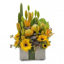 Urban Gift Fresh Flower Arrangement