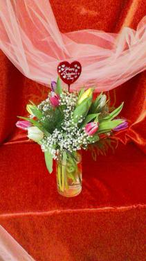 Spring in bloom Valentine Arrangement