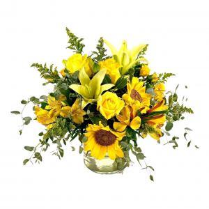 Sunny Side Up Flower Arrangement  in Nevada, IA | Flower Bed
