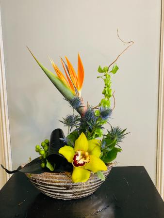 touch of tropics Flower Arrangement