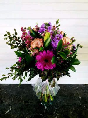 TRACY'S EXCLUSIVELY AT MOM & POPS in Oxnard, CA | Mom and Pop Flower Shop