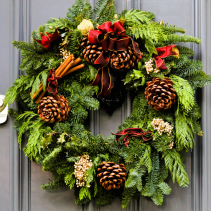 Traditional Christmas Wreath Fresh Wreath