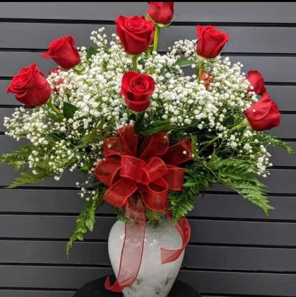 Traditional Dozen Vase Fresh Arrangment