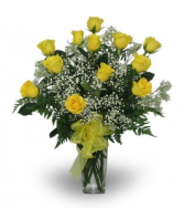 Traditional Dozen Yellow Roses  Vase Arrangement